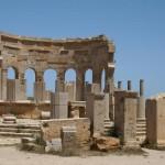 100 год нашей эры, Руф (Rufos) из Эфеса. Этот древнегреческий врач занимался анатомией и патологией человека, диетикой и методикой лечения